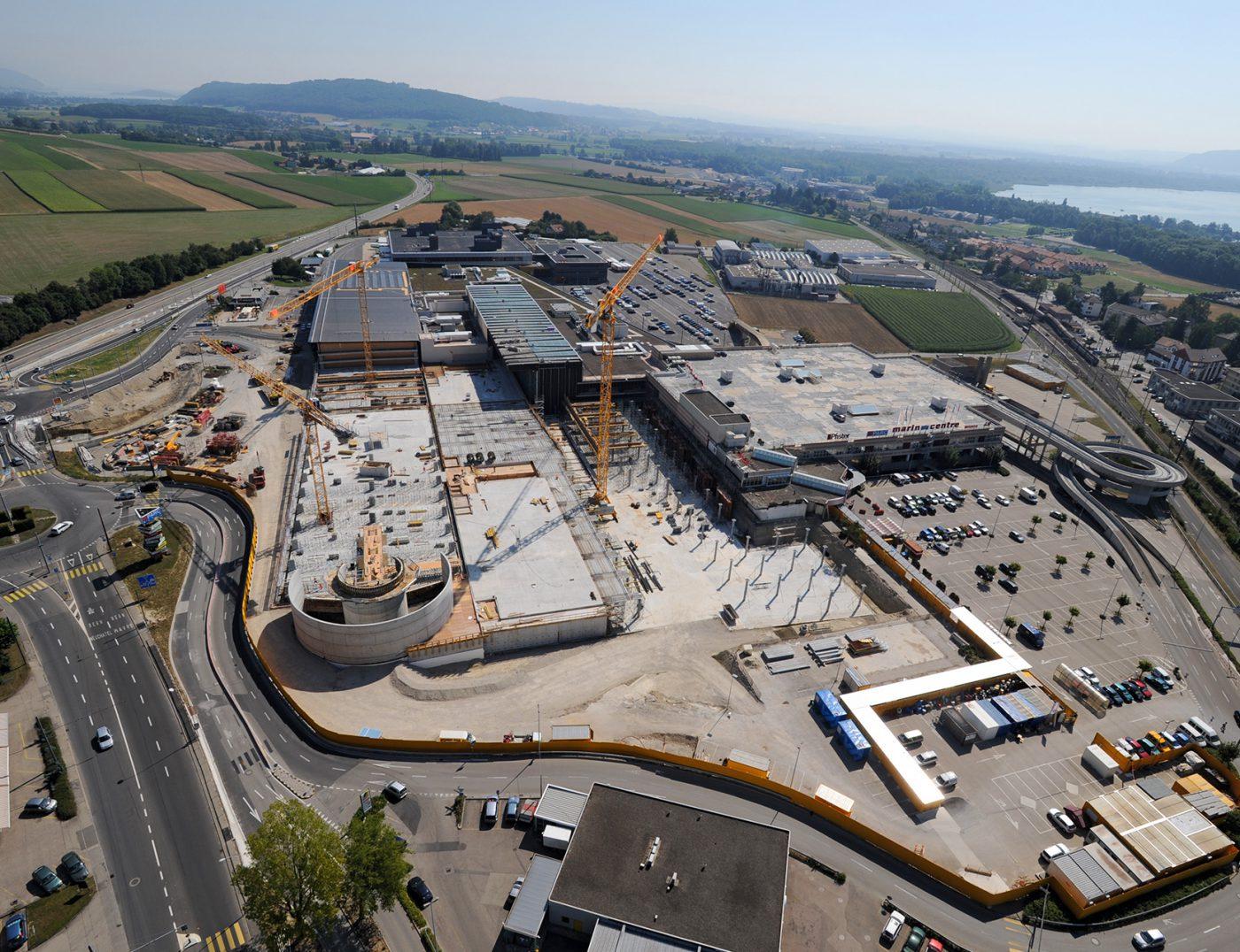 Image aérienne chantier Marin Centre Bernasconi SA